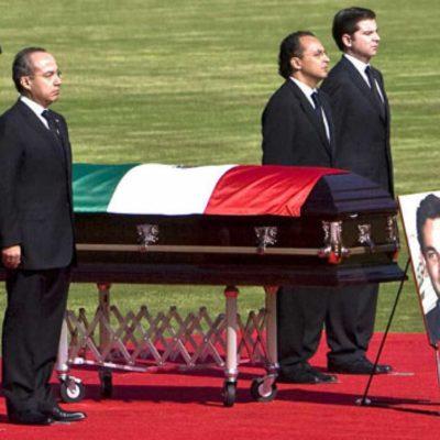 Recuerda Calderón que él sufrió la pérdida de amigos y colaboradores en accidentes aéreos
