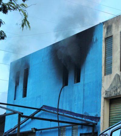 Incendio en una bodega del Parque Industrial de Playa