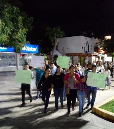"""""""MARA ESCUCHA, CANCÚN ESTÁ EN LA LUCHA"""": Airada protesta para exigir respuestas por la joven Cindy Saldívar, desaparecida tras abordar un taxi"""