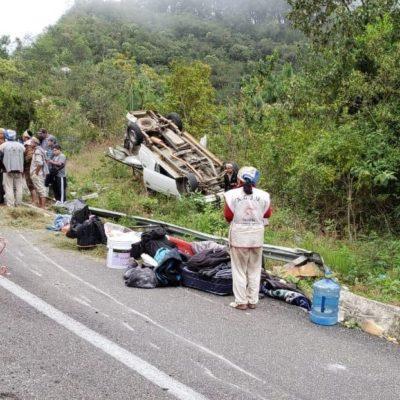 Choca camioneta con peregrinos contra tráiler en Chiapas; solo el conductor resultó con lesiones