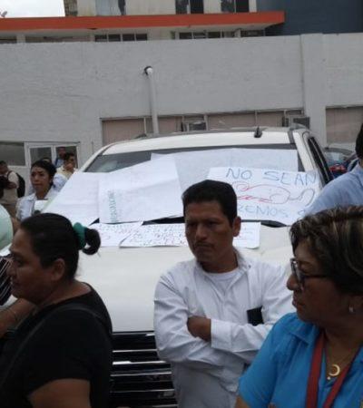 CRECE MALESTAR SOCIAL EN TABASCO: Retienen trabajadores de salud a esposa del gobernador Arturo Núñez; lleva 3 horas encerrada en su camioneta mientras antimotines rodean a manifestantes