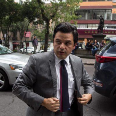 Atentos a 2 mil 835 amparos contra ley que disminuye salarios a funcionarios, dice Zoé Robledo