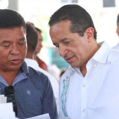 Solución a problemas de vivienda, empleo, salud y educación, las principales demandas que atendió Carlos Joaquín durante maratónica audiencia en Playa del Carmen