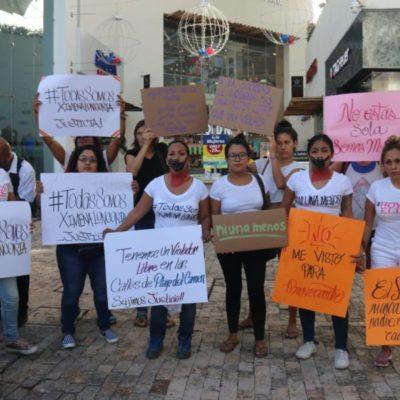 Marchan contra la violencia a la mujer en Playa del Carmen