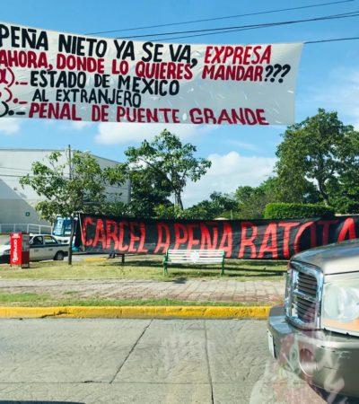 """""""PEÑA YA SE VA… ¿AHORA A DÓNDE LO QUIERES MANDAR?"""": Manifestación de apoyo a AMLO en el 'Ceviche' de Cancún"""