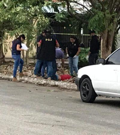 EJECUTAN A UN HOMBRE EN VILLAS OTOCH: Sicarios en motocicleta disparan contra su víctima en la Región 247 de Cancún