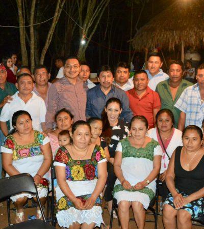 Celebra la Navidad Víctor Mas Tah con sus hermanos mayas en el poblado de Sacahbmucuy
