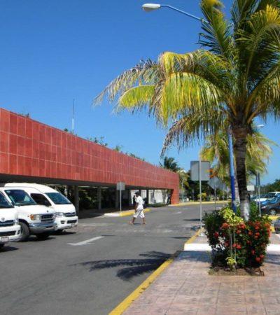Defiende empresario uso de autobús que brinda servicio en el aeropuerto de Cozumel
