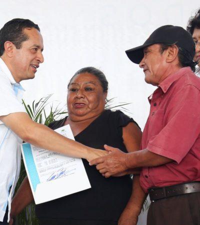 Entrega Carlos Joaquín 720 títulos de propiedad para dar certeza jurídica a más de 2 mil 800 personas en Cancún