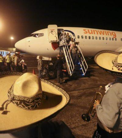 Dan bienvenida en Cozumel a vuelo procedente de Toronto