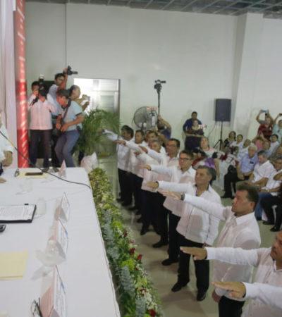 Pedro Joaquín toma protesta a la nueva directiva del Sindicato de Taxistas en Cozumel