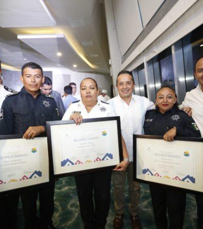Reconocen a los policías de Isla Mujeres por su capacitación y trabajo