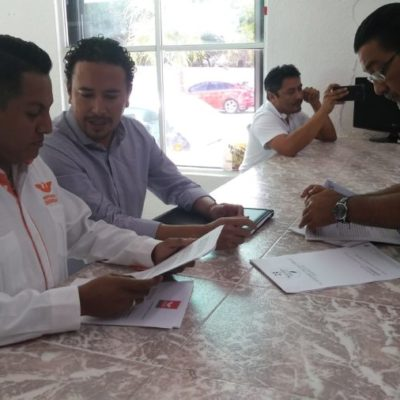 Movimiento Ciudadano interpone una denuncia ante el Ieqroo contra el PAN, Carlos Joaquín y funcionarios panistas por usar la Casa de Gobierno para una reunión partidista