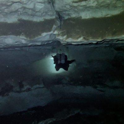 Hallan en Mérida cenote y caverna con fósiles de hasta 20 millones de años y restos humanos
