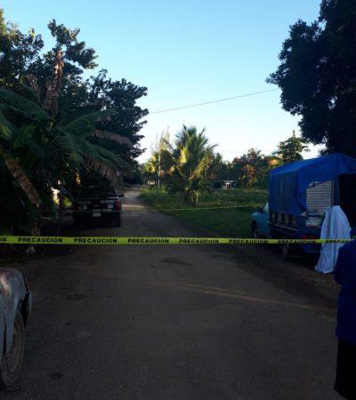 Anciano se ahorca con una cuerda amarrada a un camión afuera de su casa en Bacalar