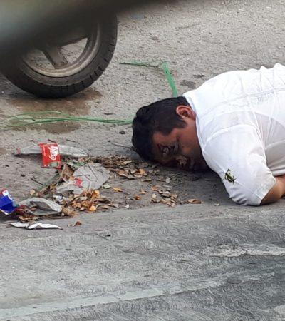 Borracho y golpeado, sacan a un taxista de un antro para caballeros en Cancún