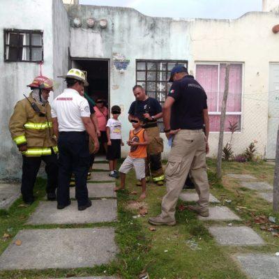 Rescatan a dos niños encerrados bajo llave cuando se inició un incendio en su casa en Villas del Sol