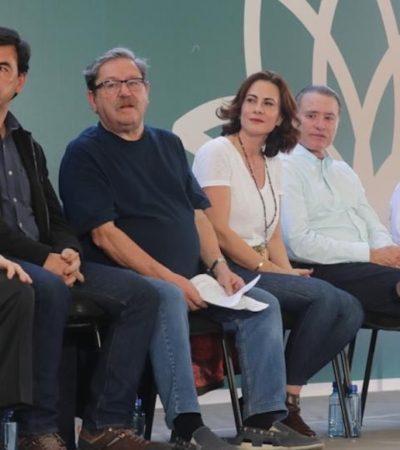 Lanza AMLO 'plan de lectura' en Sinaloa; 'lujos, alhajas, trocas son efímeros' dice a los jóvenes