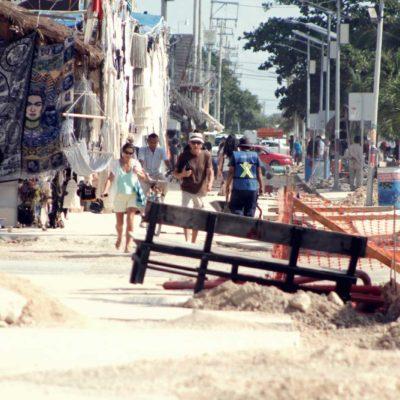 OBRAS DE CAPA EN TULUM, A PASO DE TORTUGA: Retraso en trabajos en la principal arteria del poblado turístico causan malestar entre locales y visitantes