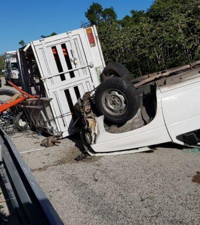 APARATOSO ACCIDENTE EN LA CARRETERA: Choca y vuelca camioneta en la vía a El Tintal