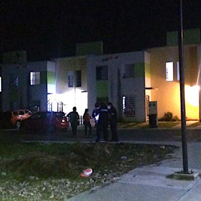 Reportan casa baleada del director de la cárcel de Playa del Carmen horas después de la aparición de una presunta narcomanta; aclaran que no era vivienda del alcaide