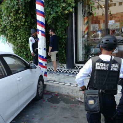 Con armas y pasamontañas, atraca pareja departamentos de renta vacacional en pleno centro de Playa del Carmen