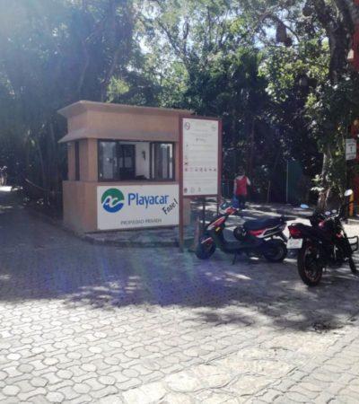 En la ilegalidad las plumas y casetas que colocó Playacar fase 1 en vía municipalizada