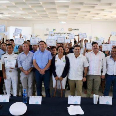 Reconocen participación de la sociedad en la limpieza de playas en Solidaridad