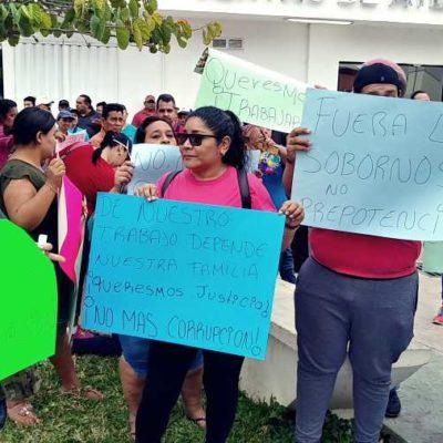Protestan vendedores ambulantes y semifijos en Chetumal contra municipio morenista por aumento en el costo de los permisos e intentos de desalojo