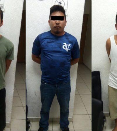 Agreden a pedradas a policía municipal en Villas del Sol; detienen a 3, se roban radio