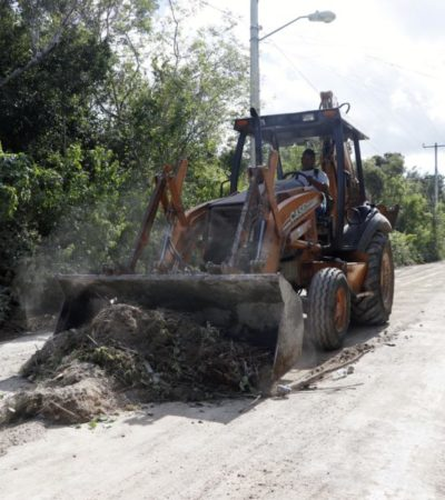 Avanzan obras públicas que benefician a colonias de la isla de Cozumel