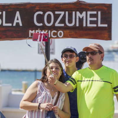 Cozumel registra incremento de turistas que llegan vía aérea y en cruceros