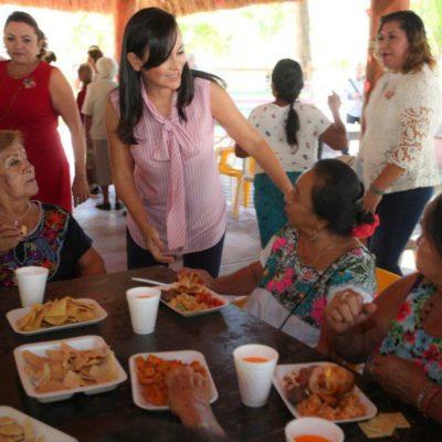 """Laura Fernández convive con abuelitos de la casa del adulto mayor """"Nohoch Uinic"""", con motivo del Día del Amor y la Amistad"""