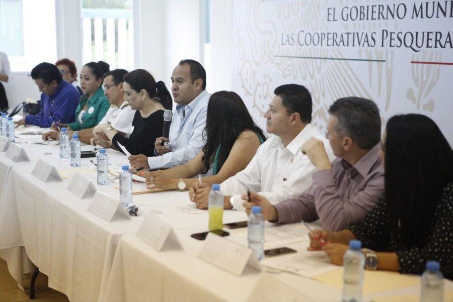 Juan Carrillo y diputados federales aseguran que pescadores de Isla Mujeres tendrán mayores beneficios durante la administración