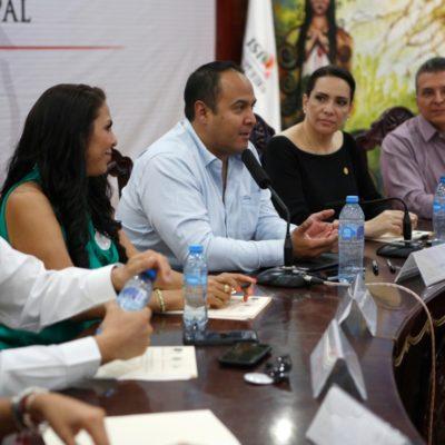 Reconoce Juan Carrillo disposición de diputados federales para trabajar por Isla Mujeres