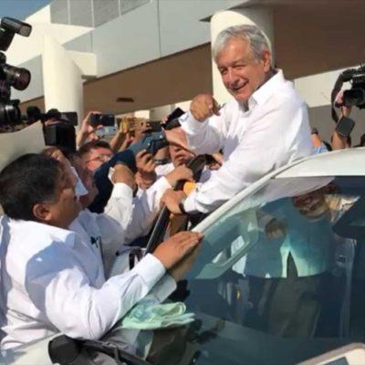 Arriba Andrés Manuel López Obrador a su natal Tabasco; entregará apoyos a ganaderos