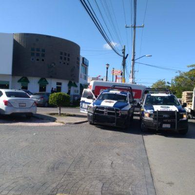 Asaltan a cuentahabientes afuera de banco en Cancún
