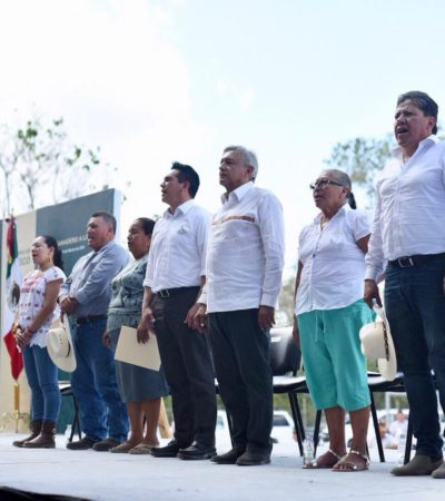 Abuchean al gobernador de Campeche en Escárcega y AMLO sale en su defensa