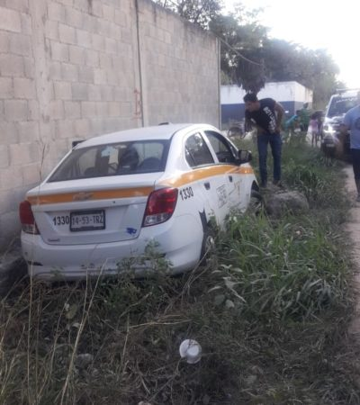 Se estrella taxista contra una barda en Chetumal y huye