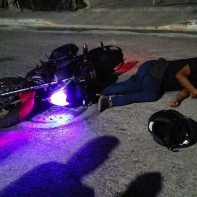 PERSIGUEN Y EJECUTAN A MOTOCICLISTA: Ataque a balazos en la colonia '28 de Julio' rompe la calma en Playa; reportan un herido más y 7 detenidos