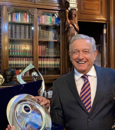 BATEA JONRÓN: Nombran a AMLO nuevo embajador mundial de beisbol