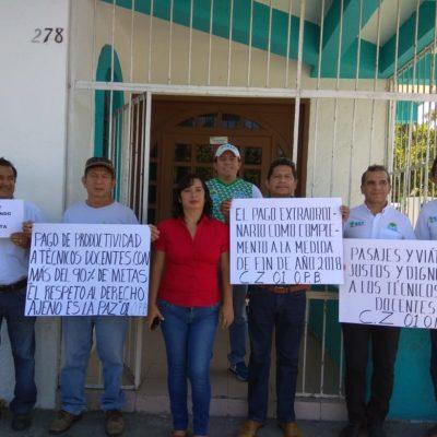 Continúan las protestas de trabajadores del IEEA en todo Quintana Roo
