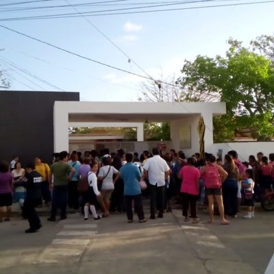 HARTAZGO EN UNA ESCUELA POR INSEGURIDAD: Padres de familia toman plantel en Chetumal cansados de robos y vandalismo