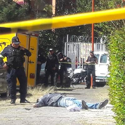 Mujer desarma y mata a presunto asaltante que intentó despojarla de su auto en Tlalnepantla
