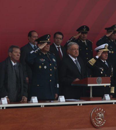 Preside AMLO 106 aniversario de la Marcha de la Lealtad en el Castillo de Chapultepec