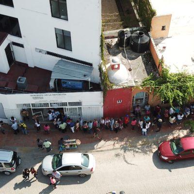 SE VUELCAN POR LOS APOYOS DE AMLO: Acuden cientos a la delegación de la Secretaría del Bienestar en Cancún para ser incluidos en programas de apoyo federal