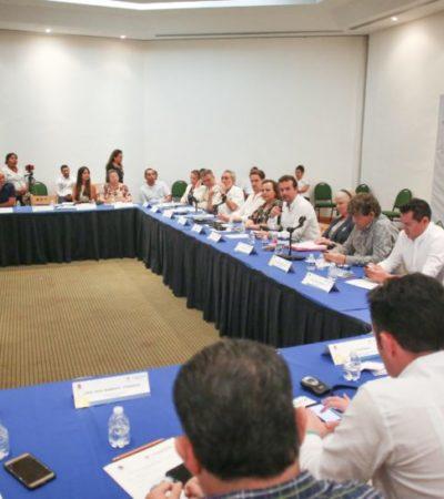 """Presentan el programa de capacitación """"Estrategia para el mejoramiento del transporte turístico en Cozumel"""""""