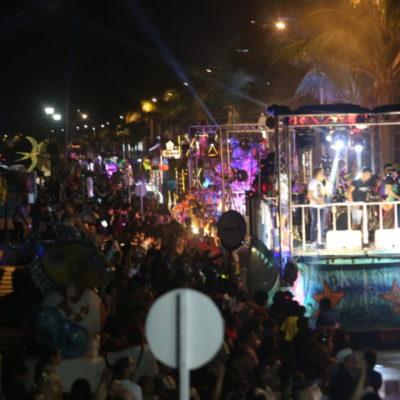 Más de 35 mil personas disfrutan del Carnaval de Cozumel durante el segundo día del Gran Paseo