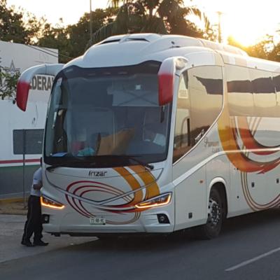 Trasladan a centro migratorio de Mérida a 25 de las 50 mujeres que fueron detenidas por Migración y FGR en Cancún