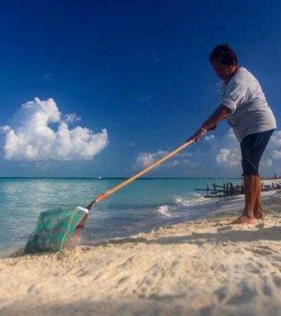 Ayuntamiento de Isla Mujeres trabaja en la prevención ante posible recale de sargazo durante temporada vacacional